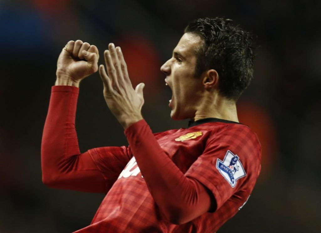 Rooney marca dois gols, City empata e van Persie mostra que fez a escolha correta.