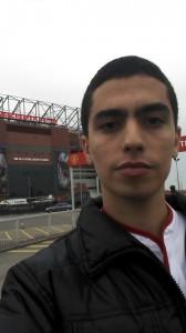 Murilo Ribeiro próximo ao Old Trafford *-*