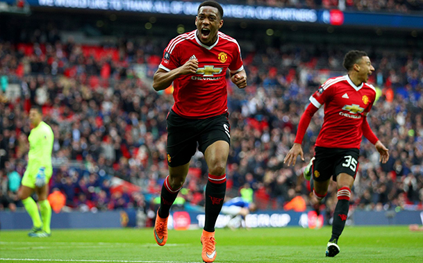 Martial marca nos acréscimo, United vence o Everton e está na final da FA Cup