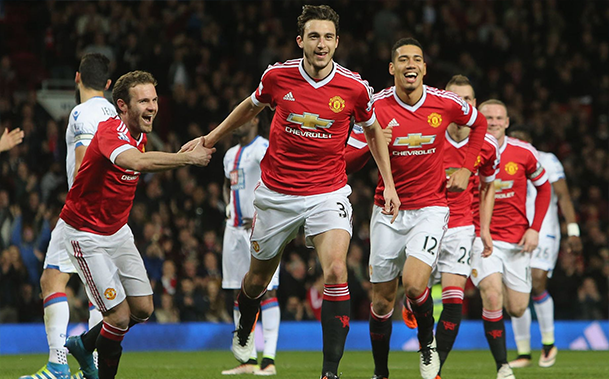 United vence o Crystal Palace e segue em busca da vaga na Champions League