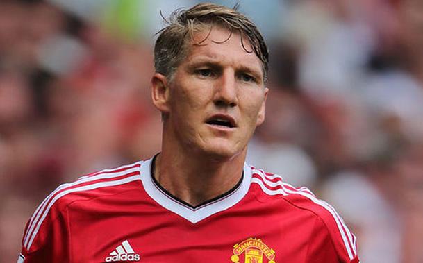 Sem espaço com Mourinho, Schweinsteiger pode estar de saída