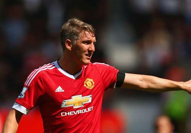 Manchester United inclui Schweinsteiger na equipe principal