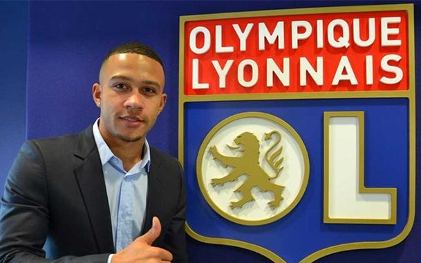 OFICIAL: Memphis Depay acerta com o Lyon
