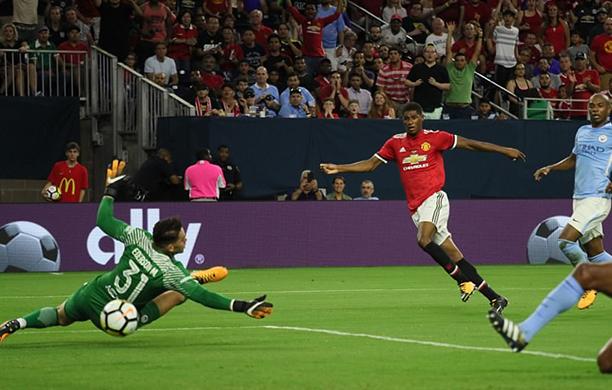 United vence o Derby de Manchester pela Champions Cup