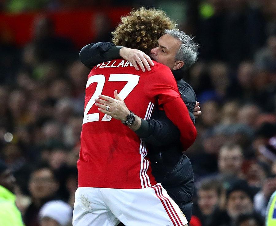 Mourinho pode perder Fellaini