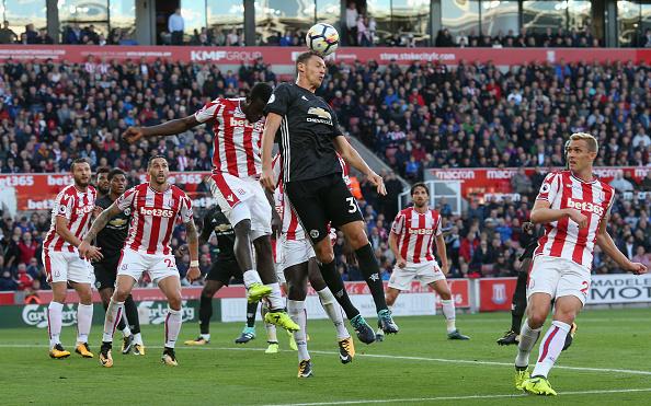 Em duelo parelho, United empata com Stoke fora de casa