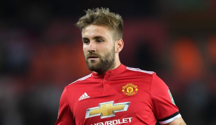 Manchester United pronto para vender Shaw