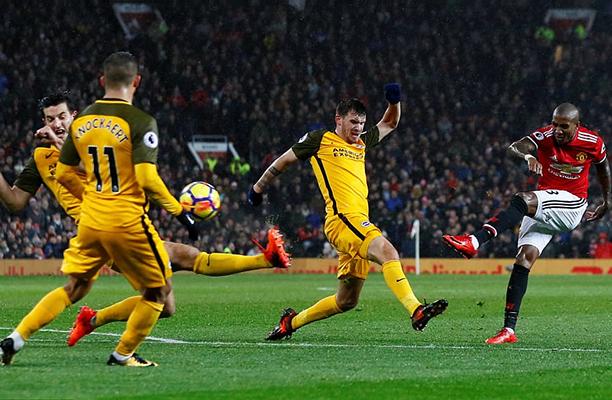 United desperdiça oportunidades e é derrotado pelo Basel