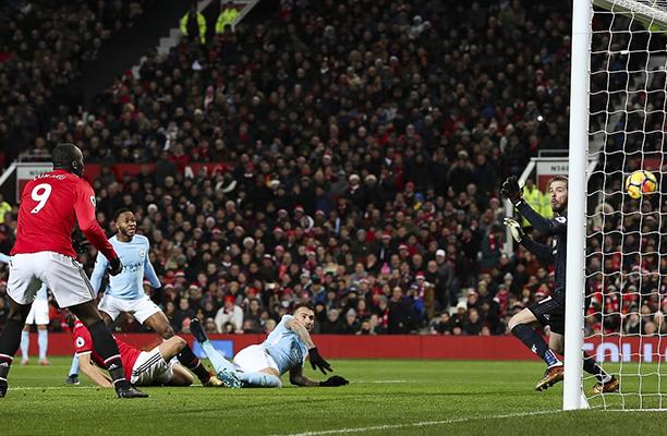Em partida fantástica do De Gea, United vence o Arsenal