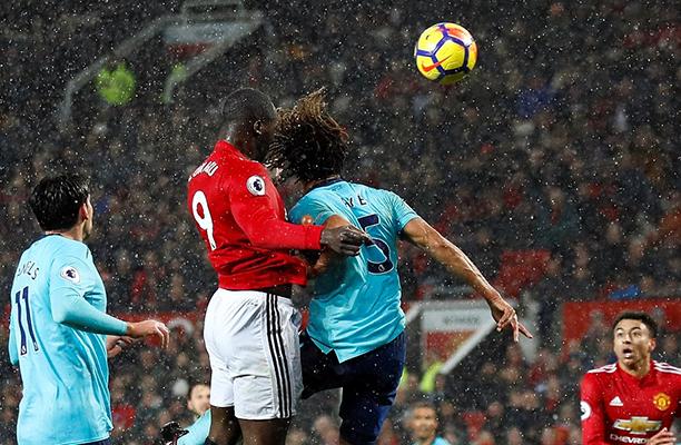 United apresenta péssimo futebol, contudo vence o Bournemouth