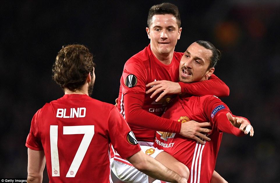 United corre para renovar o contrato de alguns jogadores
