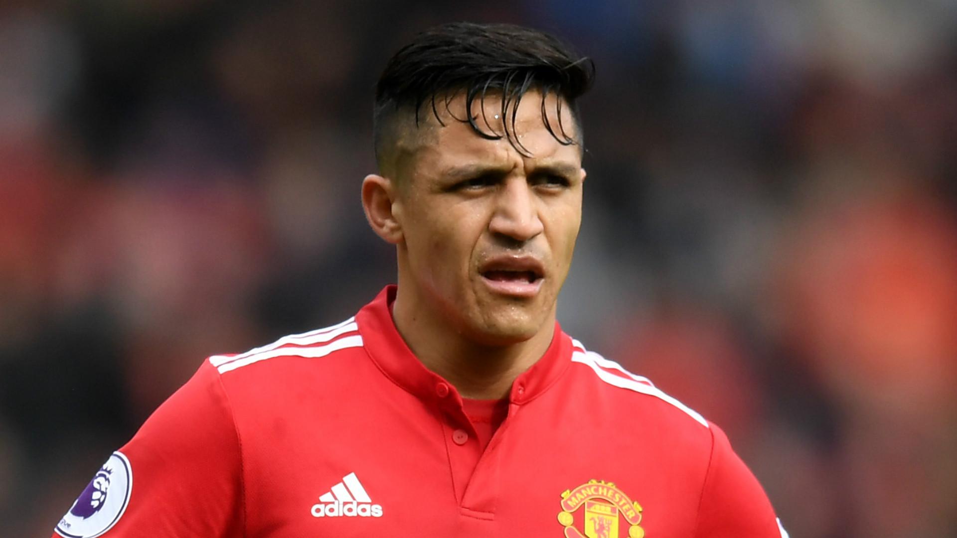 Alexis está isolado no Manchester United