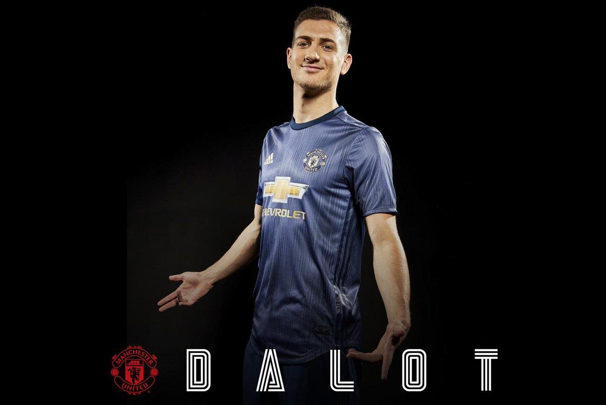 Quem é Diogo Dalot?