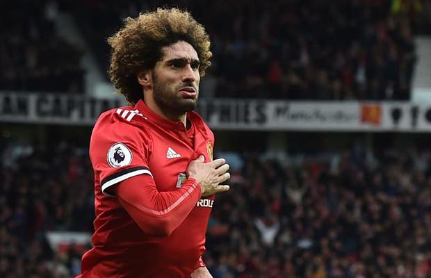 Em meio à Copa, o United de Mourinho tenta reagir