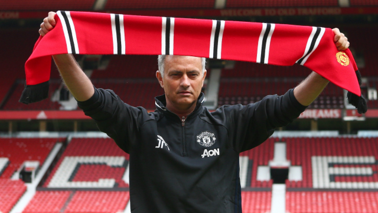 Para demitir José Mourinho, o United precisa pagar uma indenização altíssima ao português